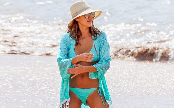 Διακοπές στο Μάουι για την Jessica Alba