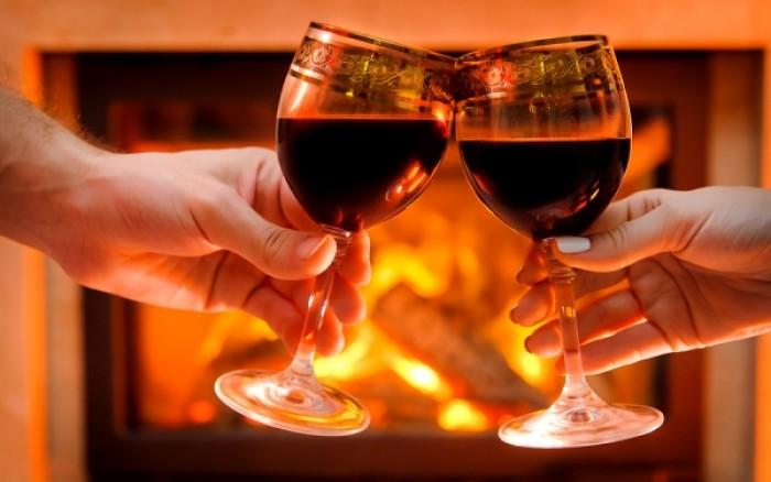 Δύο ποτήρια κρασί το βράδυ, συνιστούν οι ειδικοί!