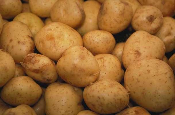 Θεραπεύστε τα σκοτεινά σημεία και τις ρυτίδες με πατάτα!