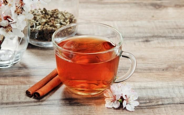 Με ποιες τροφές δεν πρέπει να συνδυάζετε το τσάι και γιατί