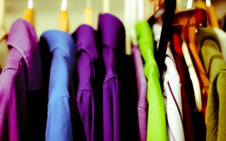 Πέντε κόλπα για σιδερωμένα ρούχα χωρίς σίδερο