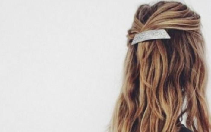 Πέφτουν τα μαλλιά σου; Ιδού τι φταίει και τι μπορείς να κάνεις!