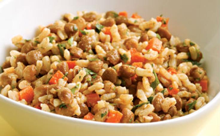 Σαλάτα με ρύζι και λαχανικά