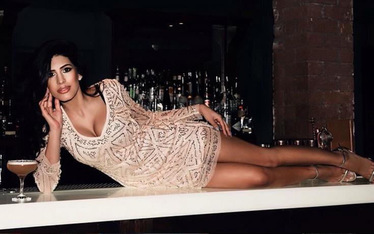 Η Jasmin Walia λατρεύει τα λίγα ρούχα