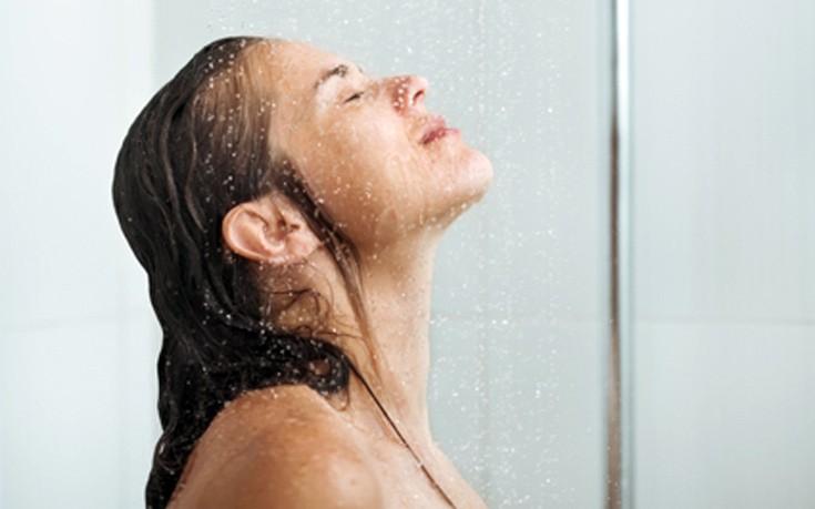 Μάθετε γιατί πρέπει να κάνετε ντους με κρύο νερό