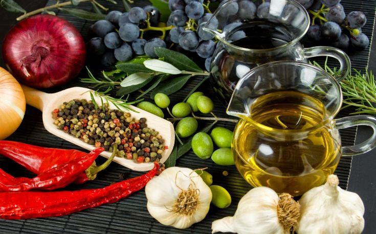 Νέα δεδομένα για τα οφέλη της Μεσογειακής διατροφής
