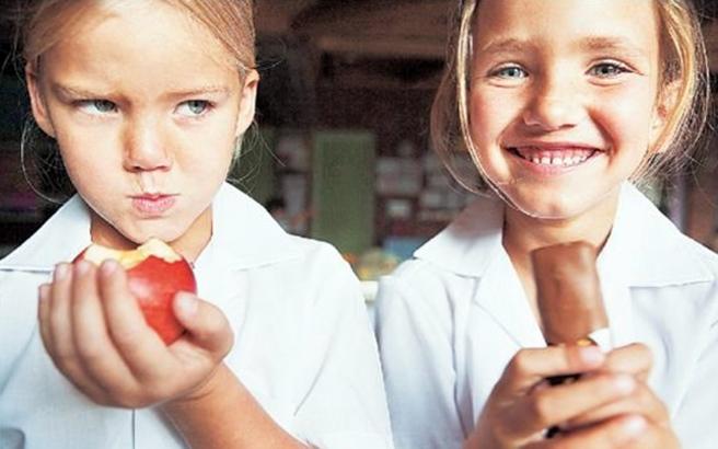 Πώς θα σταματήσει το παιδί τις «διατροφικές αμαρτίες»