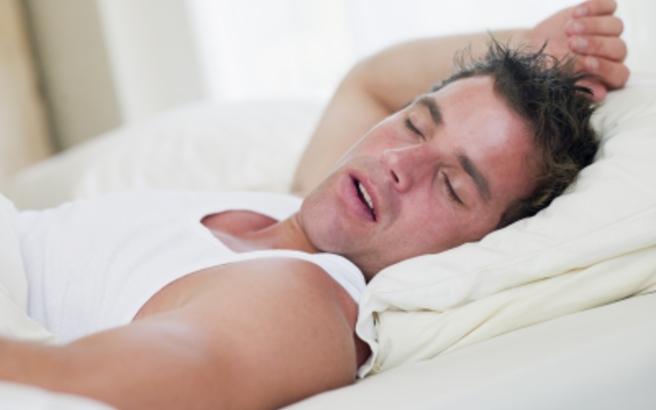 Τι δεν θα πρέπει να φοράτε ποτέ όταν κοιμάστε