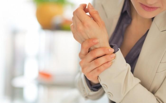 Αρθρίτιδες: Γιατί οι γυναίκες έχουν τριπλάσιες πιθανότητες να νοσήσουν