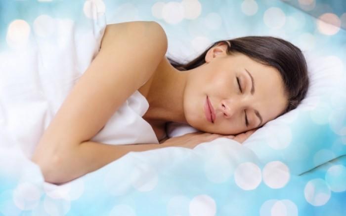 Δείτε πόσο κινδυνεύετε από γρίπη, κρυολόγημα ή πνευμονία ανάλογα με τις ώρες που κοιμάστε