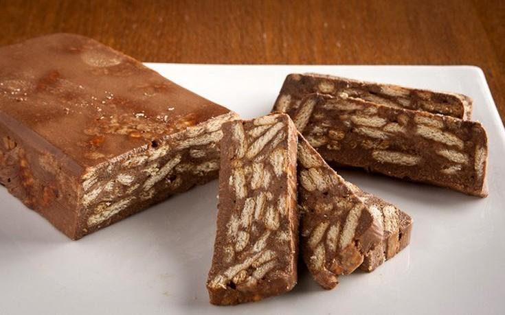 Κορμός σοκολάτας με τσουρέκι