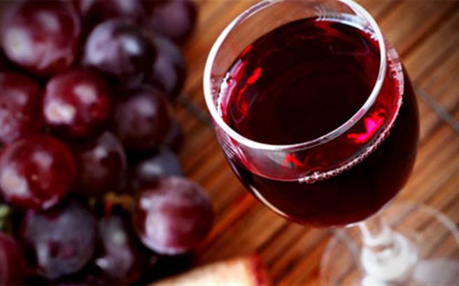 Κόκκινο κρασί για τις ρυτίδες
