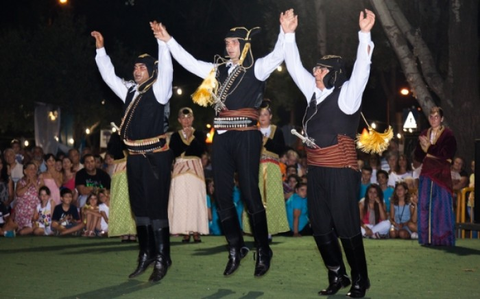 Τα οφέλη των παραδοσιακών χορών για την υγεία