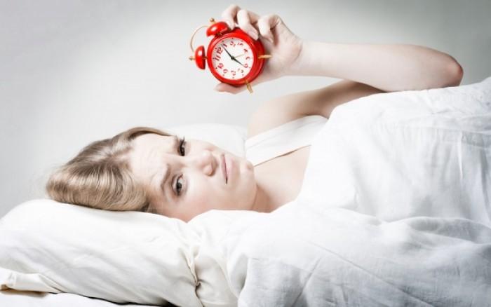 Τα 5 πράγματα που δεν πρέπει να κάνετε πριν κοιμηθείτε
