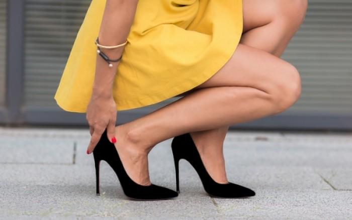 Ψηλά τακούνια: Δείτε τι προκαλούν στα πόδια, αλλά και στα νύχια σας