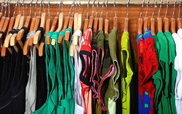 Γιατί πρέπει να πλένουμε τα καινούρια ρούχα πριν τα φορέσουμε