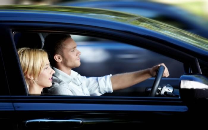 Δεν προστατεύουν από την υπεριώδη ακτινοβολία τα πλαϊνά τζάμια του αυτοκινήτου