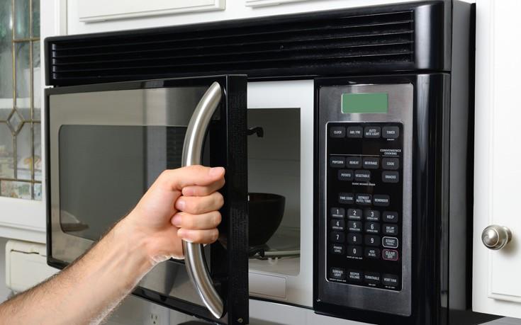 Ο ευκολότερος τρόπος να καθαρίσετε το φούρνο μικροκυμάτων
