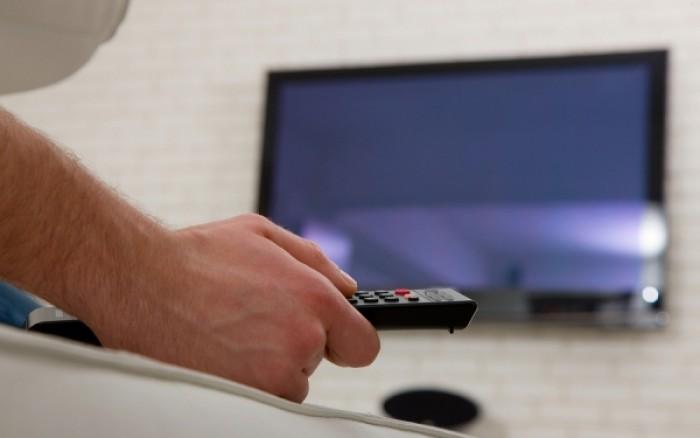 Πόσο αυξάνεται ο κίνδυνος θανάτου για όσους βλέπουν πολλή τηλεόραση