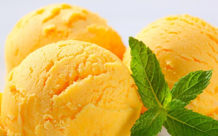 Σορμπέ μάνγκο με άρωμα λάιμ