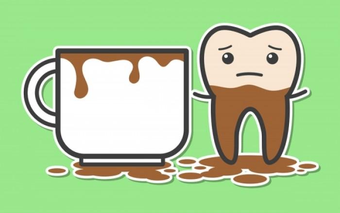 Λεκέδες στα δόντια: Εννέα ένοχες αιτίες που πιθανώς αγνοείτε