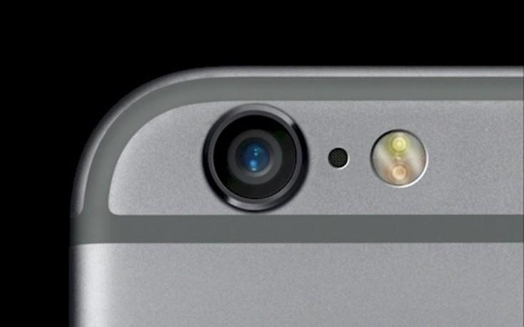 Σε τι χρησιμεύει η πολύ μικρή τρύπα δίπλα στην κάμερα του iPhone