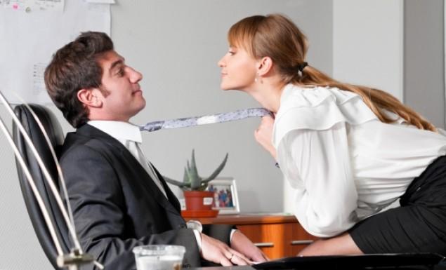 Σεξ στη δουλειά: Σε αυτά τα επαγγέλματα είναι πιο πιθανό!