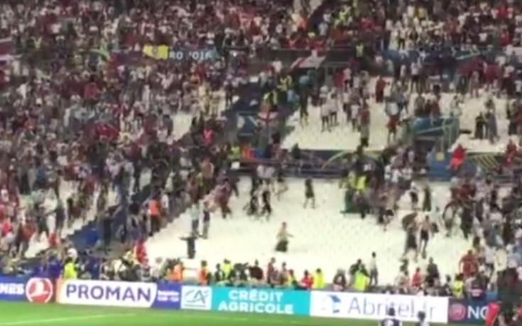 Συγκρούσεις μεταξύ Άγγλων και Ρώσων οπαδών και μέσα στο γήπεδο