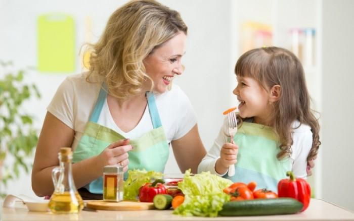 Τι πρέπει να αποκλείσετε από τη διατροφή των παιδιών σας και γιατί
