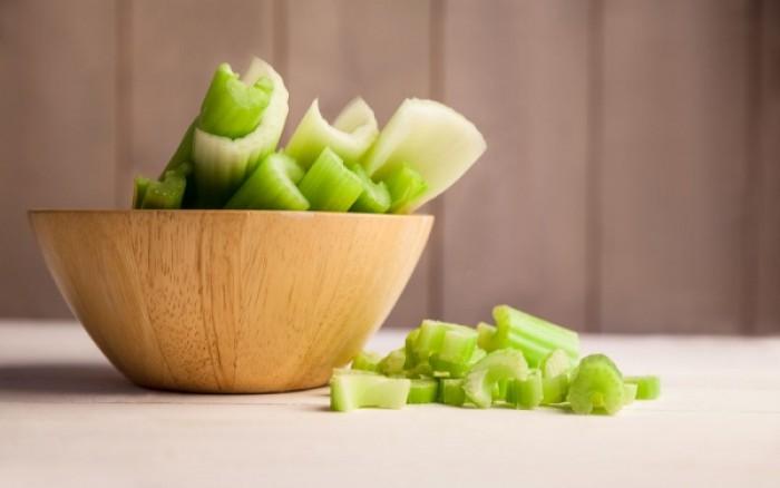 Το λαχανικό που «καίει» διπλάσιες θερμίδες απ' όσες δίνει!
