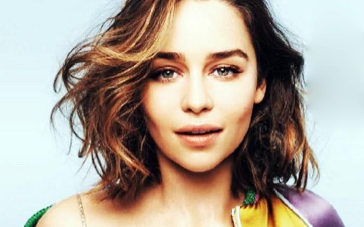 Γιατί είναι «μόνη σαν το λεμόνι» η Emilia Clarke