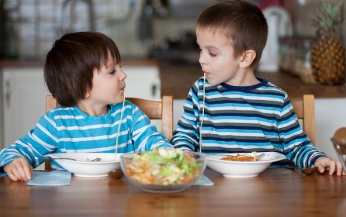 Παιδική παχυσαρκία: Ο ρόλος του βραδινού φαγητού