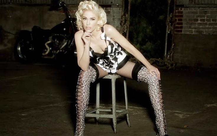 Πιο σέξι από ποτέ στο νέο της βίντεοκλιπ η Gwen Stefani