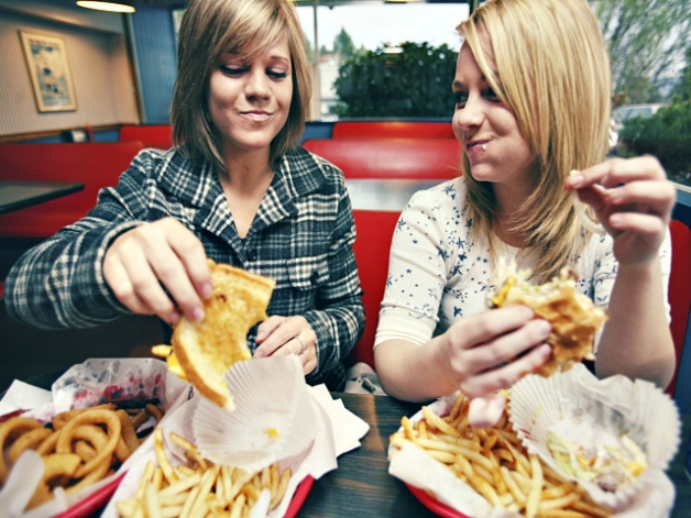 Έφηβοι και junk food