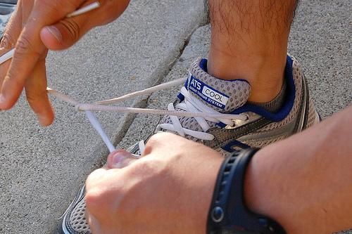 Ένα κολπάκι για να μην λύνονται τα κορδόνια των παπουτσιών!