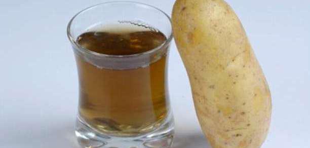 """Ο χυμός της πατάτας """"ελιξίριο νεότητας"""" για το δέρμα!"""