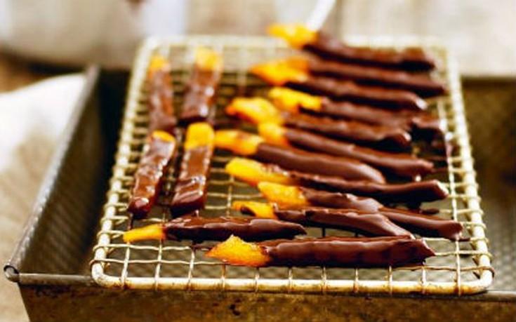 Σοκολατένιες φλούδες πορτοκαλιού