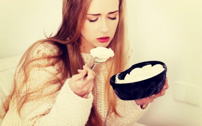Στρες & άγχος: 7 τροφές που τα ενεργοποιούν και πρέπει να αποφεύγετε