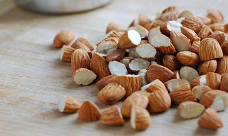 10 βασικοί λόγοι που θα σε πείσουν να προσθέσεις τα αμύγδαλα στη διατροφή σου