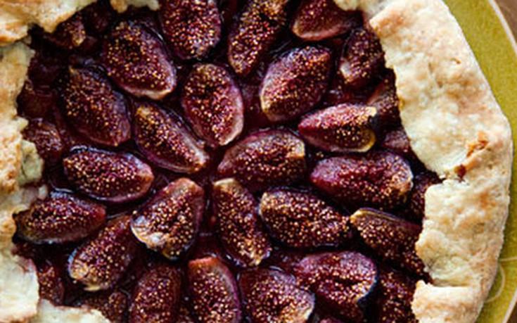 Πίτα με φύλλο και γέμιση από σύκο