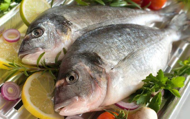 Πώς να διώξετε τη μυρωδιά του ψαριού από το σπίτι