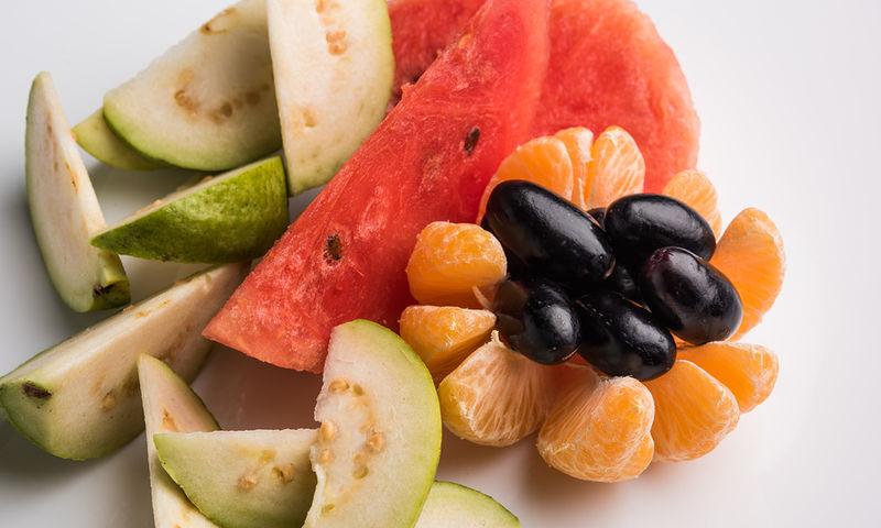 Το καλοκαιρινό φρούτο που αναστέλλει τη μετάσταση του καρκίνου του μαστού