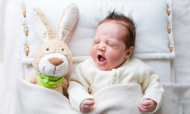 Χρειάζονται μαξιλάρι τα μωρά στον ύπνο;