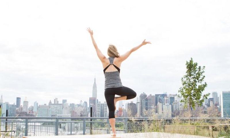 Εγκυμοσύνη και γυμναστική Εύκολες ασκήσεις yoga (βίντεο)