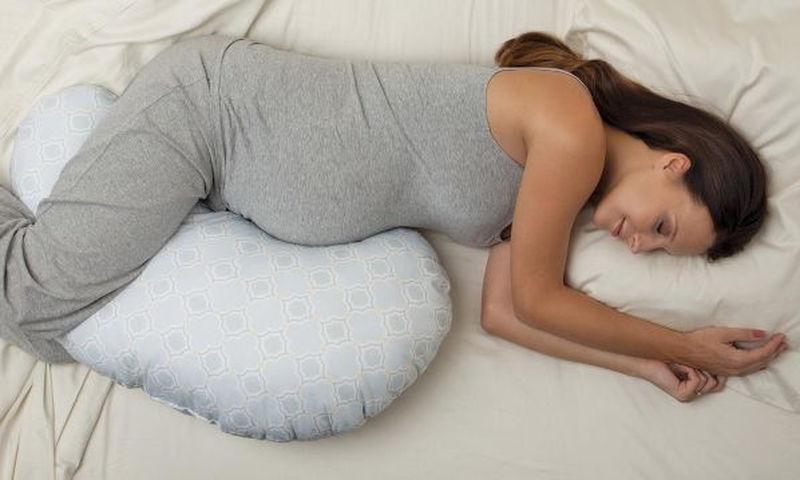 Ποια στάση στον ύπνο είναι καλύτερη κατά την εγκυμοσύνη;