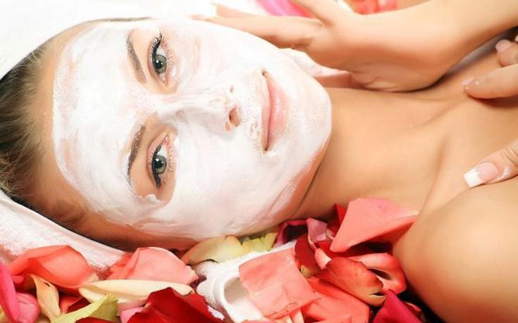 Σπιτική μάσκα προσώπου με τριαντάφυλλο και καρύδι