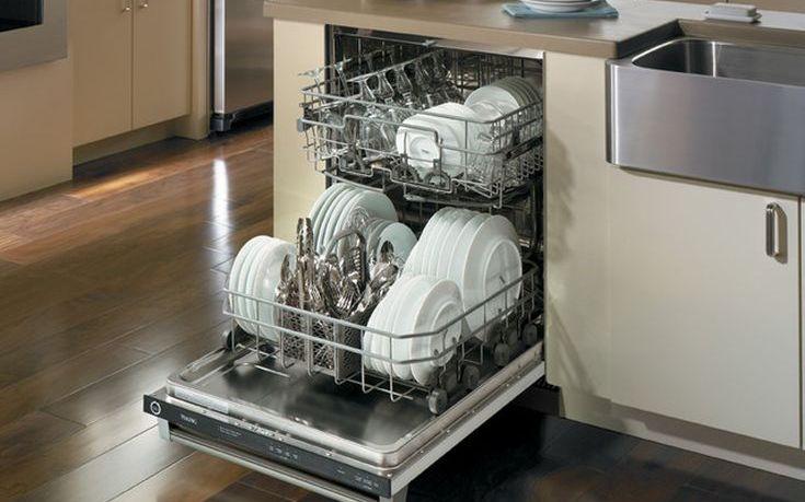 Τέσσερα διαφορετικά πράγματα που μπορείς να πλύνεις στο πλυντήριο πιάτων