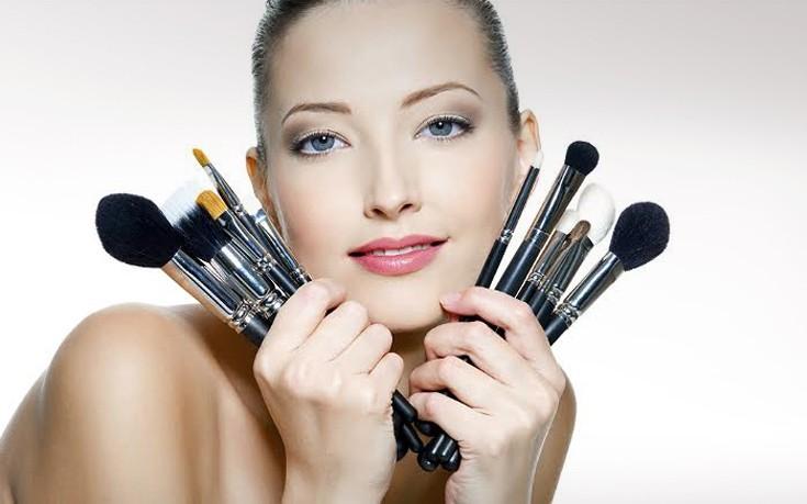 Κανόνες για το μακιγιάζ που αποδείχθηκαν μύθοι