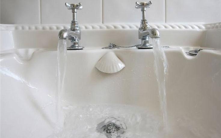 Καθαρίστε το σιφόνι του μπάνιου σας απλά