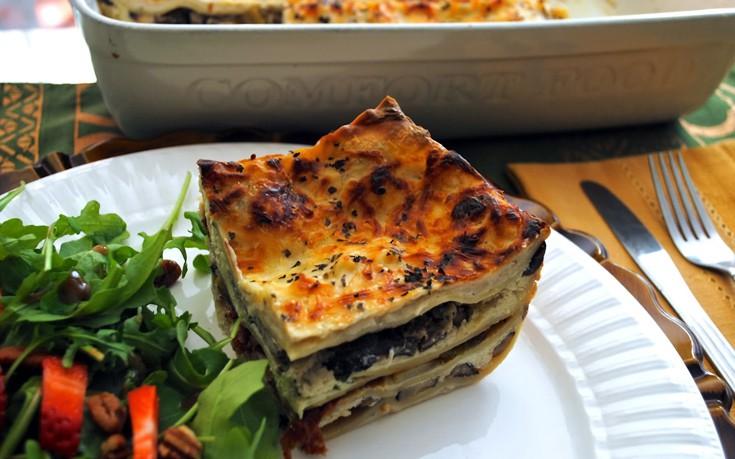 Παστίτσιο με μανιτάρια και μπεσαμέλ